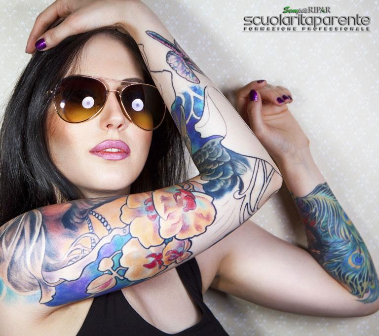 Operatore tatuaggio-e-piercing